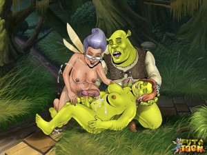 Threesome futanari sex with shreks toon characters
